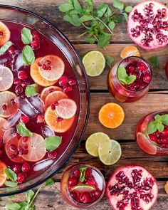 Christmas Day Punch – A lovely fruity punch with prosecco for the grown-ups. A g… Christmas Day Punch – A lovely fruity punch with prosecco for the grown-ups. A great way to keep your guest's drinks topped up! Make Ahead Christmas Appetizers, Christmas Party Food, Holiday Appetizers, Appetizer Recipes, Holiday Recipes, Crowd Appetizers, Christmas Recipes, Summer Christmas, Christmas Catering