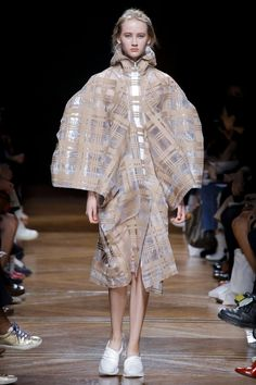 Anrealage Spring/Summer 2018 Ready To Wear | British Vogue
