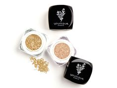 Moodstruck Minerals Pigment Powder is made for perfect eyebrow tinting.