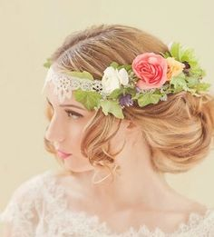 Philadelphia Old-World Wedding Inspiration Shoot Wedding Hair Flowers, Bridal Flowers, Flowers In Hair, Floral Wedding, Fresh Flowers, Simply Wedding Dress, Casco Floral, Old World Wedding, Floral Headdress