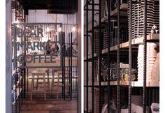 Il coffee shop di VAV architects realizzato con materiali riciclati