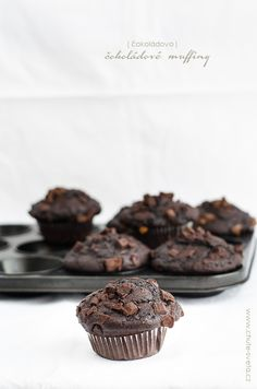 čokoládové muffiny Chocolate Muffins, Christmas Cookies, Food And Drink, Birthday Cake, Cupcakes, Cooking, Breakfast, Bundt Cakes, Cake Ideas