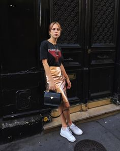m File gold + street style