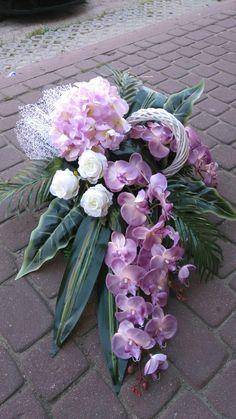 Twine Flowers, Grave Flowers, Cemetery Flowers, Funeral Flowers, Vence, Church Flower Arrangements, Floral Wreath, Wreaths, Garden