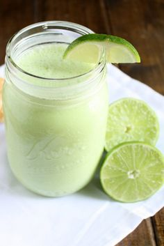 This key lime smoothie is light, tart, and delicious! This smoothie is perfect when you're craving a slice of key lime pie, but want something lighter. Lime Recipes, Weight Loss Smoothie Recipes, Nutribullet Recipes, Smoothie Drinks, Drink Recipes, Fun Recipes, Shake Recipes, Fruit, Bon Appetit