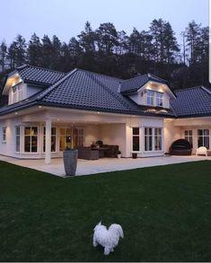 30 Most Popular Dream House Exterior Design Ideas 11 - homeexalt Metal Building Homes, Metal Homes, Building A House, Modern Exterior, Exterior Design, Dream Home Design, House Design, Home Improvement Loans, Steel House