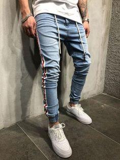 Side stripe streetwear jeans 3788 - monocloth looks masculino, jeans mascul Urban Fashion, Mens Fashion, Modern Fashion, Fashion Hats, Fashion Vintage, Fashion Ideas, Streetwear Jeans, Look Man, Denim Joggers