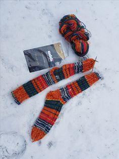 #addisockenwundercontest  Mein erstes  Paar Socken mit der gewonnenen nadel, noch ziemlich unbeholfen, aber es wird