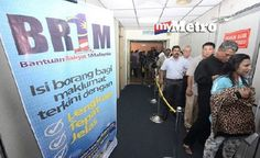 Pembayaran pertama Bantuan Rakyat 1Malaysia BR1M 2016 esok   FOTO fail NSTP Shahnaz Fazlie Shahrizal  Pembayaran pertama Bantuan Rakyat 1Malaysia BR1M 2016 akan diagihkan kepada penerima yang layak mulai esok.  Menteri Kewangan II Datuk Seri Ahmad Husni Hanadzlah berkata pembayaran pertama akan dibuat esok dimana ia akan dikreditkan terus ke dalam akaun penerima masing-masing.  Bagi mereka yang tidak mengemukakan maklumat akaun bank baucar BR1M akan diedarkan kepada penerima dan seterusnya…