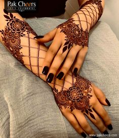 Can't get over the beauty of bridal Mehndi Designs for full hands? This full hand mehndi design with a mix of Indian and Arabic mehndi images is perfect for you! Get Amazing Collection of Full Hand Mehndi Design Ideas here. Simple and Easy Modern full. Mehndi Designs Finger, Full Hand Mehndi Designs, Henna Art Designs, Stylish Mehndi Designs, Dulhan Mehndi Designs, Mehndi Designs For Fingers, Mehndi Design Pictures, Latest Mehndi Designs, Mehandi Designs