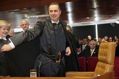 Bomba – Dilma mantém contrato com pai de ministro Barroso