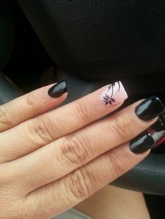 Nail Design In Black And White - http://www.mycutenails.xyz/nail-design-in-black-and-white.html