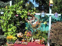 Mabon garden altar Home Altar, Mabon, Altars, Bird Feeders, Meditation, Garden, Outdoor Decor, Home Decor, Garten