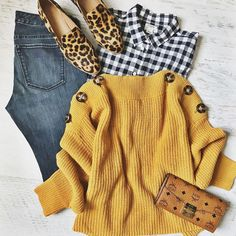 Have you noticed yet I have a thing for golden yellow this season? And it's perfect to pair with some leopard print 😻 Casual Fall Outfits, Fall Winter Outfits, Autumn Winter Fashion, Mode Style, Style Me, Mode Outfits, Fashion Outfits, Online Shops, Stitch Fix Outfits