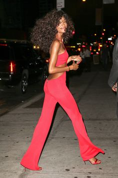 Beyoncé's 'Soul Train' Birthday Was the Greatest Party Ever 70s Fashion, Vintage Fashion, Fashion Outfits, Womens Fashion, Fashion Ideas, Soul Train Fashion, Soul Train Dancers, Vintage Black Glamour, Disco Party