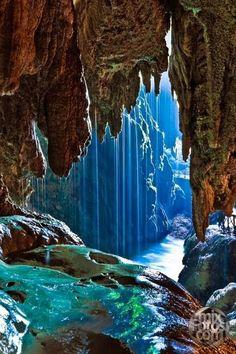 Iris Cave Monasterio de Piedra, Zaragoza, Spain