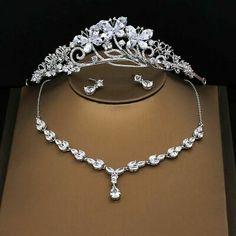 Women's Jewelry Sets, Bridal Jewelry Sets, Hair Jewelry, Women Jewelry, Silver Bridal Jewellery, Silver Tiara, Wedding Jewelry, Gold Wedding Crowns, Bride Accessories