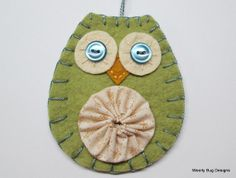 Items similar to Owl Ornament, Wool Felt, Ivory Yo Yo, Blue Buttons on Etsy Fabric Ornaments, Felt Ornaments, How To Make Ornaments, Diy Projects To Try, Craft Projects, Craft Ideas, Owl Crafts, Holiday Crafts, Christmas Owls