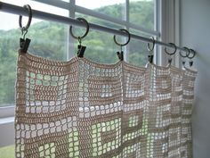 The crochet curtains – choose curtains with charm for your home – Curtains 2020 Crochet Curtain Pattern, Crochet Bookmark Pattern, Crochet Curtains, Crochet Bookmarks, Curtain Patterns, Crochet Patterns, Crochet Ideas, Crochet Home Decor, Crochet Crafts