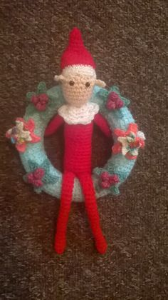 Before our Elf arrived, so Father Christmas would know how much we LOVE elves, we made this lovely welcome wreath to hang up