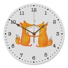 30 cm Wanduhr Füchse Liebe aus MDF  Weiß - Das Original von Mr. & Mrs. Panda.  Diese wunderschöne Uhr von  Mr. & Mrs. Panda wird liebeveoll in unserem Hause bedruckt und an sie versendet. Sie ist das perfekte Geschenk für kleine und große Kinder, Weltenbummler und Naturliebhaber. Sie hat eine Grösse von 30 cm und ein absolut LAUTLOSES Uhrwerk.    Über unser Motiv Füchse Liebe  Die Fox Edition ist eine besonders liebevolle Kollektion von Mr. & Mrs. Panda. Jedes Motiv ist wie immer bei Mr…