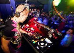 Faites leur la danse   #dj #electronicmusic #France   facebook.com/faitesleurladanse