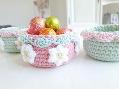 Crochet Spring Basket - Eastereggs basket - Gehaakt Lente bakje - Paaseieren bakje - download (English and Dutch) haken, Crochet, pattern, patroon, free, gratis, lente, spring, Pasen, easter