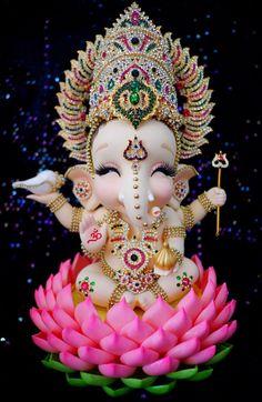 paintings: Top 20 photos of cute ganesha to use fo Shri Ganesh Images, Ganesha Pictures, Lord Krishna Images, Lord Ganesha Paintings, Lord Shiva Painting, Arte Ganesha, Ganpati Bappa Wallpapers, Happy Ganesh Chaturthi Images, Ganesh Photo