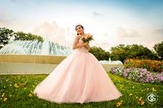 Houston quinceanera photography - Quinceaneras Gallery by Juan Huerta Photography. Fotografo de quinceaneras en Houston, Katy, Sugar Land, The Woodlands, Spring, Pasadena, Humble, Texas. Free consultation and discounts. Contact Juan Huerta today! 281.734.3753