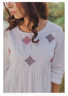 Embroidery Folk Detailing with embroidery and color Embroidery On Kurtis, Kurti Embroidery Design, Hand Embroidery Dress, Embroidery Neck Designs, Embroidery On Clothes, Simple Embroidery, Embroidered Clothes, Kurta Patterns, Dress Patterns