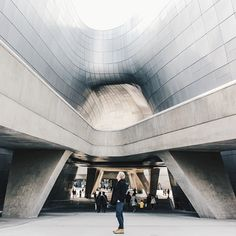 Dongdaemun Design Plaza #DDP #Dongdaemun #architecture #Design  #Korea #korean #SouthKorea #southkorean #vscocam  #vsco #Seoul #seoul_korea #seoulkorea #koreajunkies #asia #travel #trip #awesome #ig_korea #한국 #한국인 #여행 #photogsinkorea #seoulsnap