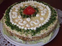 Случайно в интернете нашла рецепт этогозакусочного торта,но там коржи были слоёные для «Наполеона», а я купила коржи вафельные…и вот что получилось: Продукты для закусочного торта:  2 куриные грудк…