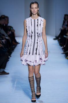 Giambattista Valli Fall 2016 Ready-to-Wear Fashion Show