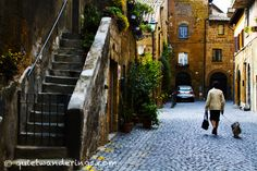 Art Wine & Food in Umbria, #Italy Wandering the streets of the Umbrian hill town of Orvieto, Italy.