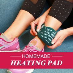 Soothe Aches And Pains With This Homemade Heating Pad: Materials: Sock Rice Hair tie or rubber band Homemade Heating Pad, Diy Heating Pad, Heating Pads, Do It Yourself Projects, Make It Yourself, Fun Crafts, Diy And Crafts, Homemade Crafts, Craft Projects