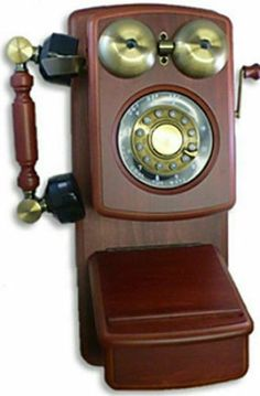 Golden Eagle Retro Wooden Country Kitchen Wood Wall Phone Mahogany NEW Vintage Phones, Vintage Telephone, Antique Phone, Line Phone, Retro Phone, Phones For Sale, Golden Eagle, Wooden Walls, Antiques