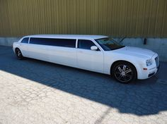 Diese Stretchlimo gibts bei ACTION LIMOUSINE (luxuslimo.at).