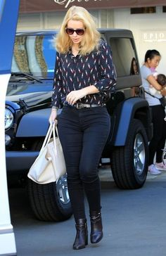 Iggy Azalea Photos Photos - Rapper Iggy Azalea stops by the Epione Skin Care Clinic in Beverly Hills, California on September 28, 2015. Iggy was there to get a tattoo removed. - Iggy Azalea Stops by the Epione Skin Care Clinic