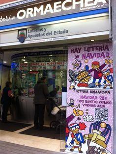 Escaparate de Navidad 2012 de Loterias Ormaechea con un diseño de Kukusumuxu