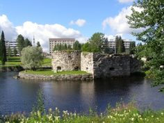 Kajaani river landscape and castle ruins.