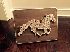 Correr arte de cuerda de caballo grande por StringsAttachedKY
