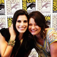 Meghan Ory and Emilie de Ravin at Comic Con. Honestly I like her better blonde in a brown wig.