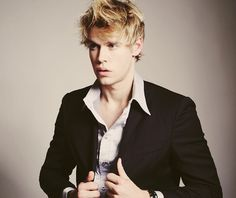 Chord Overstreet... thank you for making a return to Glee <3