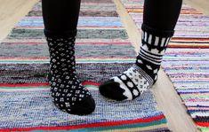 Tunnen oloni Apinaksi,   mutta mun oli ihan pako apinoida KOTIPALAPELI-blogista   Marimekko-sukat.   Nää on vaan niiiiiiinn Ihanat!   N...