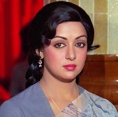 Hema Malini Indian Bollywood Actress, Bollywood Girls, Beautiful Bollywood Actress, Most Beautiful Indian Actress, Bollywood Stars, Beautiful Actresses, Indian Actresses, Bollywood Cinema, Yoga For Pregnant Women