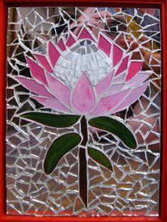 Mosaic door Mosaic Crafts, Mosaic Projects, Stained Glass Projects, Stained Glass Patterns, Mosaic Patterns, Stained Glass Art, Mosaic Ideas, Mosaic Garden Art, Mosaic Flower Pots