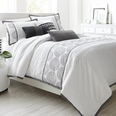 Bedroom on pinterest duvet cover sets panel bed and for Housse de couette sears