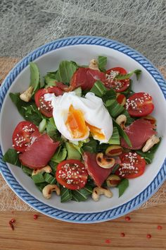Delicious and refreshing salad with popular poached eggs.