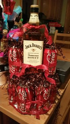 Jack Daniels Tennessee Honey and Coke raffle prize… Fundraiser Baskets, Raffle Baskets, Raffle Prizes, Raffle Ideas, Prize Ideas, Door Prizes, Party Prizes, Stag And Doe Games, Jack Daniels Gifts
