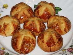 MALZEMELER 250 gr margarin veya tereyağ 1 çay bardağı zeytinyağı 1 su bardağı yoğurt 1 kahve fincanı maden suyu ... Pretzel Bites, Food Art, Baked Potato, Potatoes, Bread, Baking, Ethnic Recipes, Bread Making, Patisserie